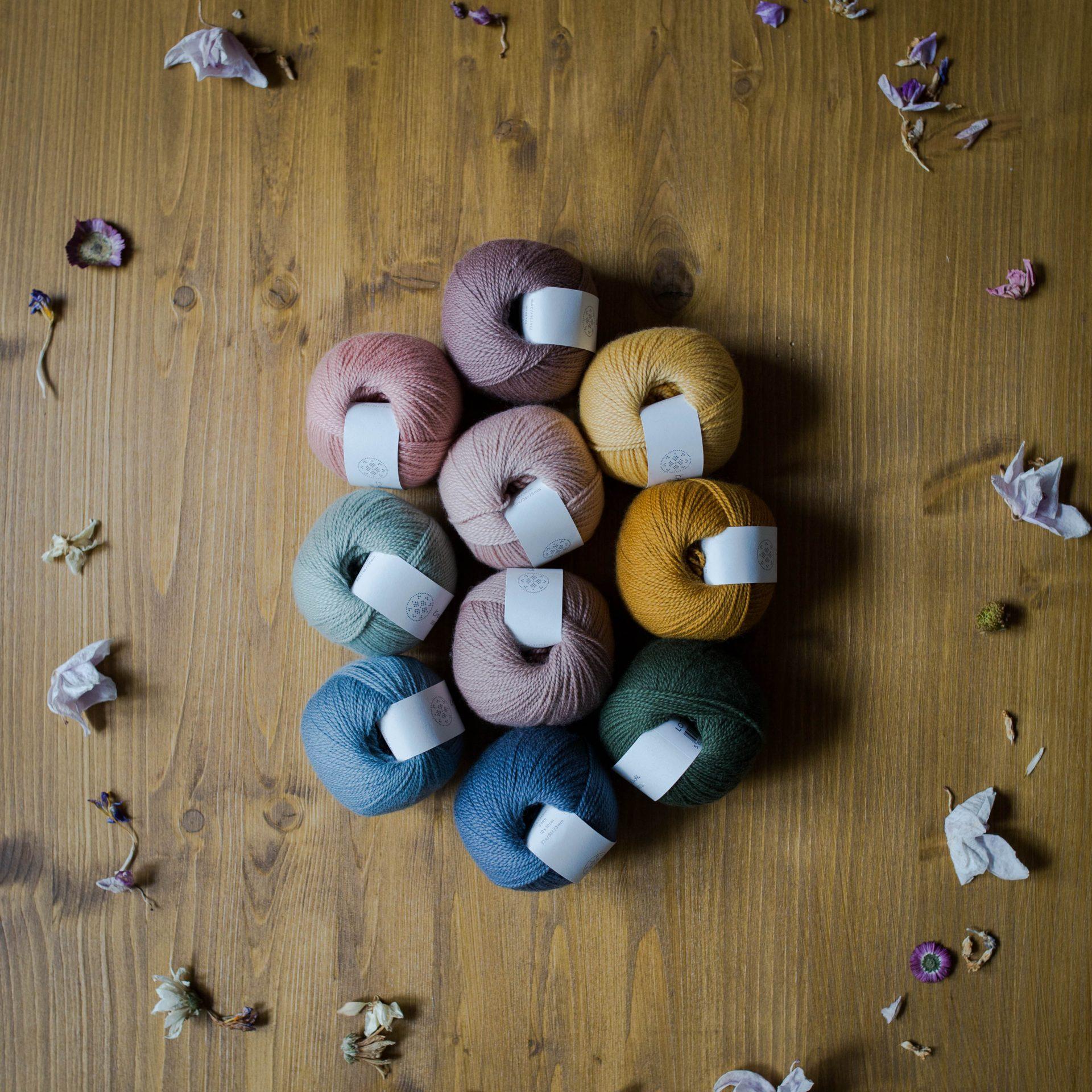 Wool 1 (Neu) - Krea Deluxe in der Farbe W 43 Aubergine