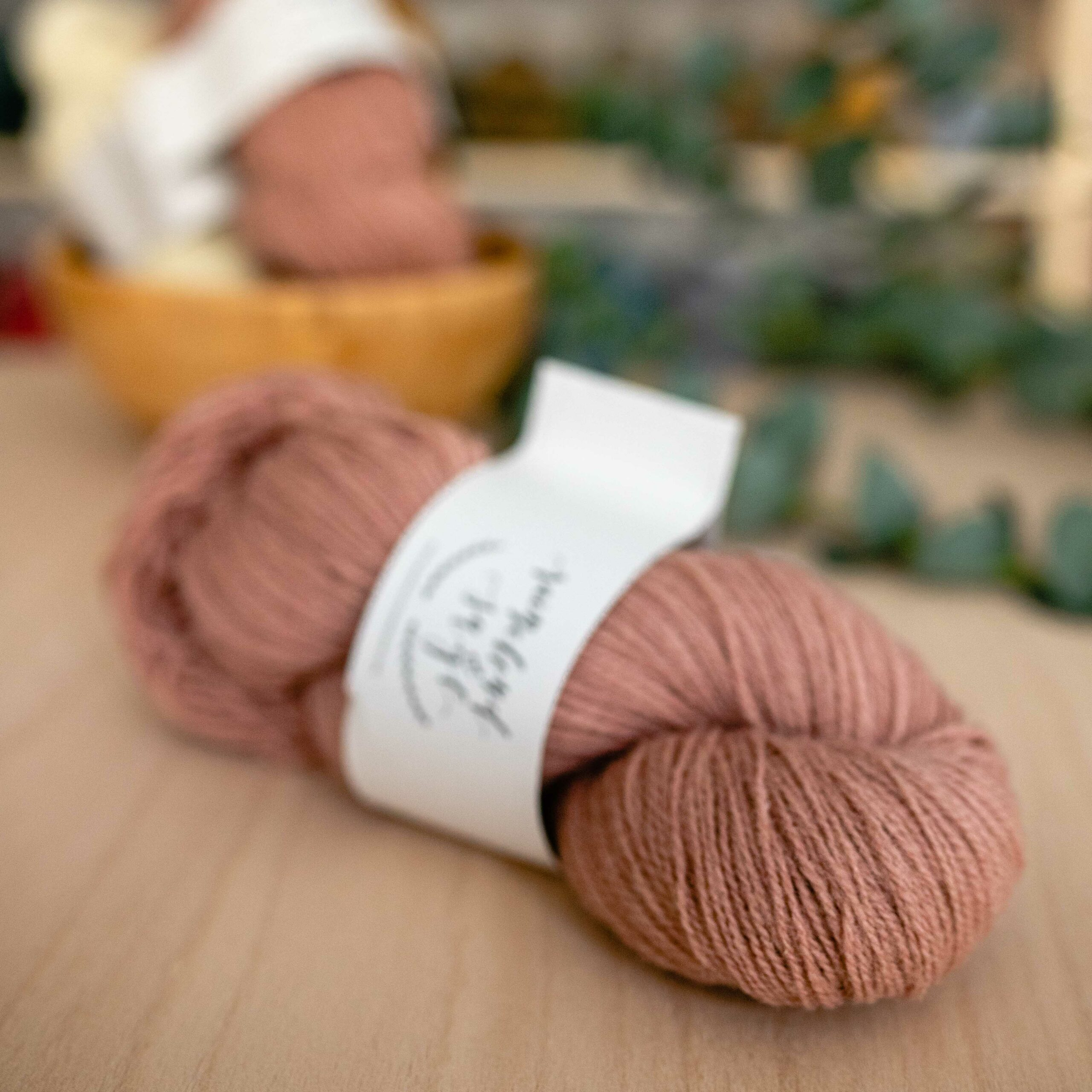 Nord Yarn - Raincloud & Sage in der Farbe Stonefruit