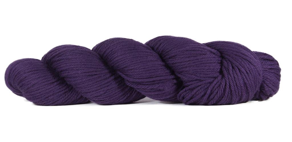 Big Merino Hug - Rosy Green Wool in der Farbe Brombeere (101)